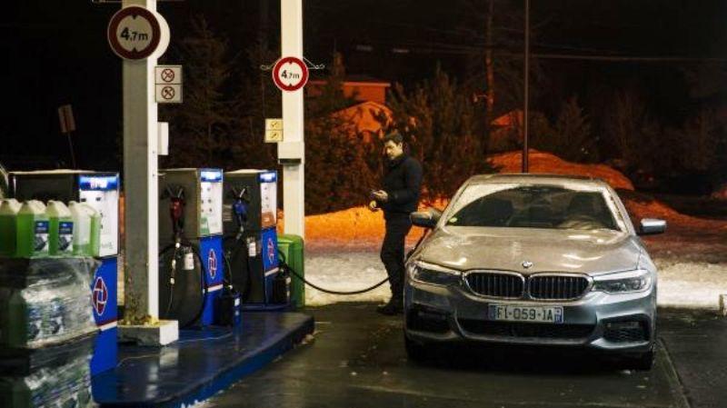Jack Ryan beraksi dengan BMW seri 5. (Lukman Hqeem)