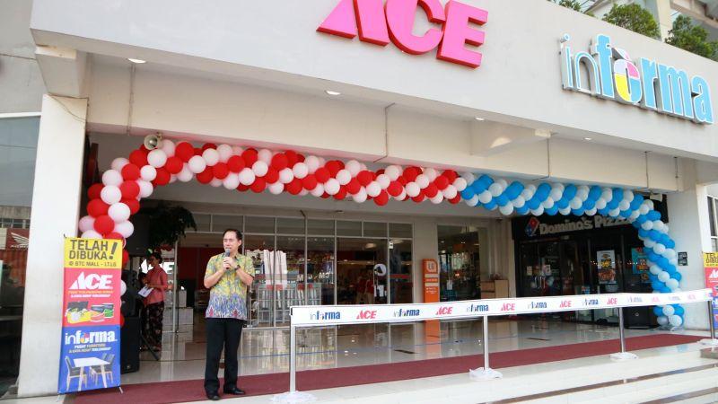 Kawan Lama Retail membuka dua toko baru sekaligus di Bekasi Timur City. (Lukman Hqeem)