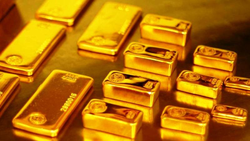 Harga emas gagal bertahan diatas $1200 per troy ons. Potensi penguatan Dolar AS membebani kenaikan logam mulia lebih lanjut. (Lukman Hqeem)