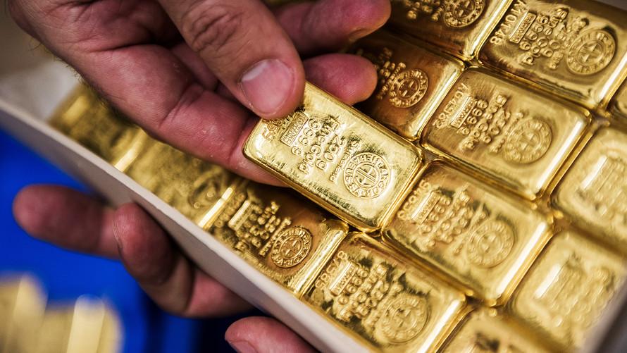 Harga emas naik saat Dolar AS mengambil jeda. (Lukman Hqeem)