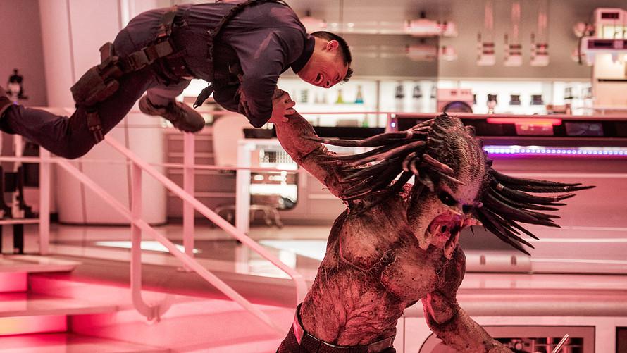 Predator mampu menduduki box office dengan raupan penjualan tiket yang menjanjikan. (Lukman Hqeem)