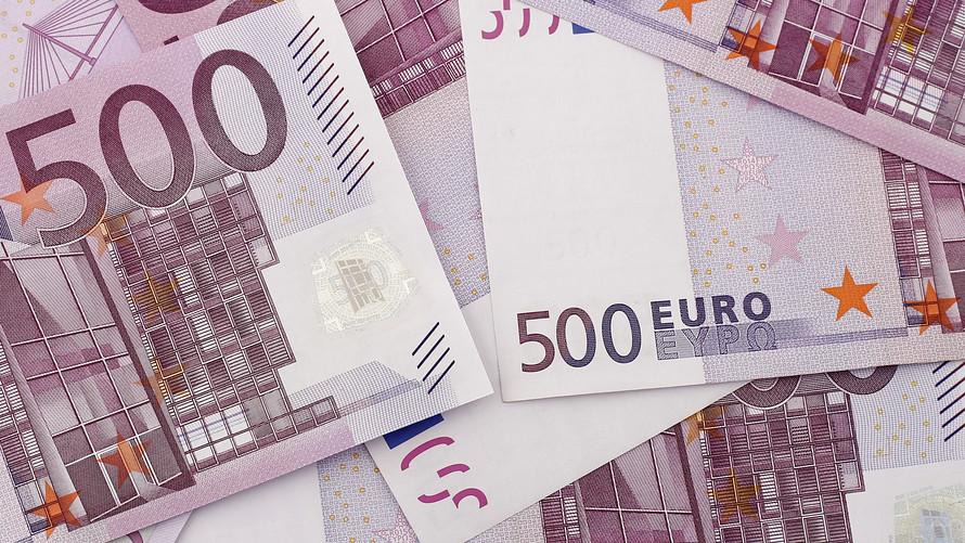 Dolar AS Berjaya, Euro terseret krisis italia,