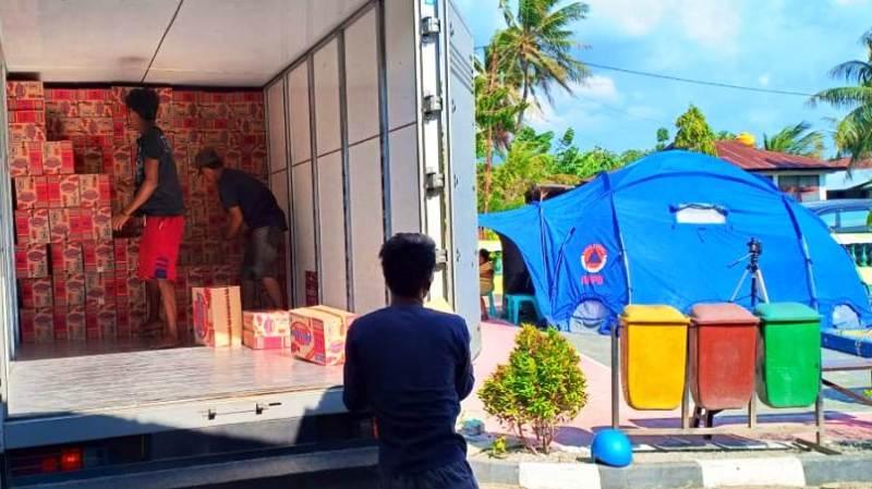 Yayasan WINGS Peduli Kasih memberi bantuan korban bencana di Palu.