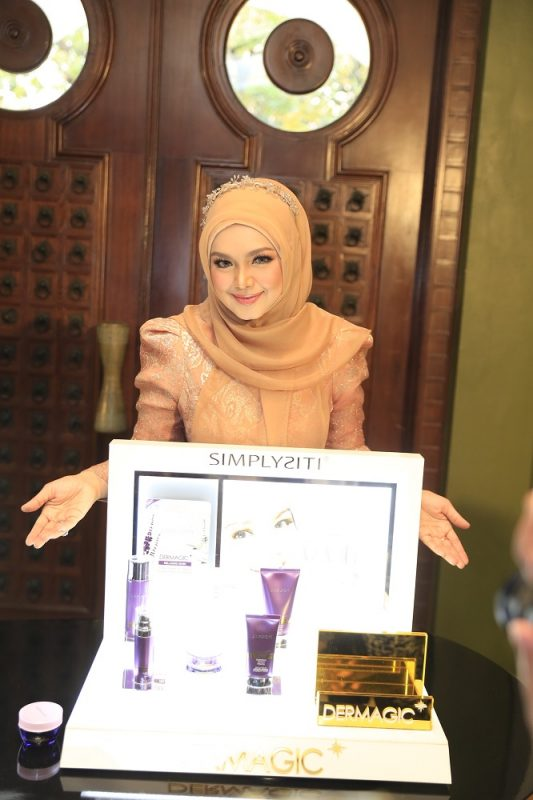 Sukses di Malaysia, Siti Nurhaliza Pasarkan Simplysiti di Indonesia 2
