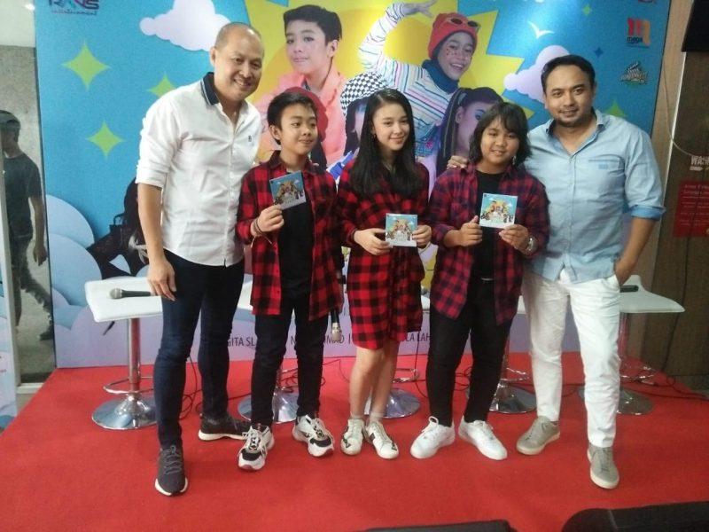 Jebolan Indonesian Idol Junior 2018 Bangga Rilis Album 'Mimpiku Jadi Nyata' 1