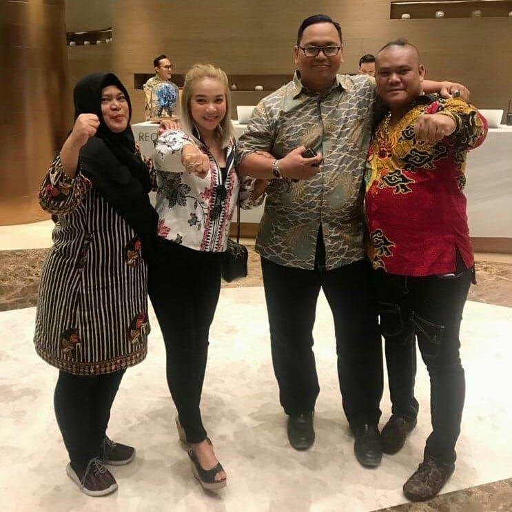 Caca Rayborn Ajak Kerjasama Artis Indonesia & Malaysia Agar Silahturahmi Terjalin Baik 2