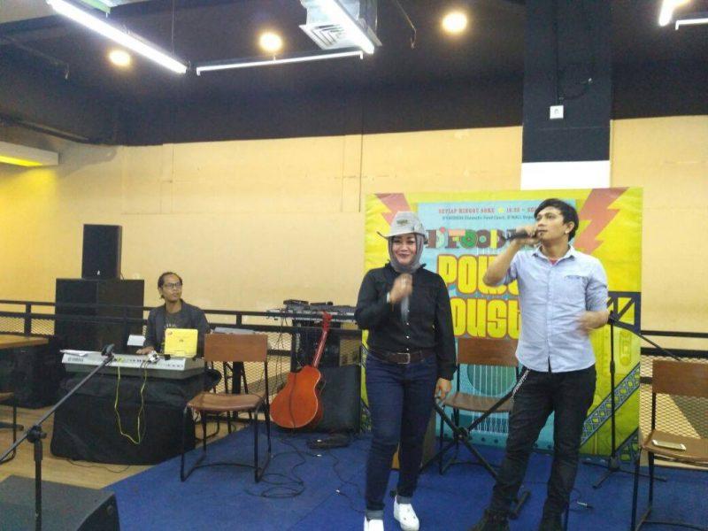 Sosok Inspiratif Nining Yuningsih, Penyanyi, Tetap Aktif di Politik 1