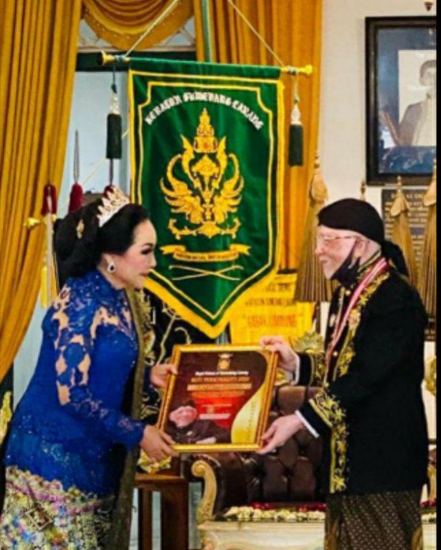Erna Santoso Mengenal Lebih Dekat Kraton Sumedang Larang Bersama Sultan & Permaisuri 2