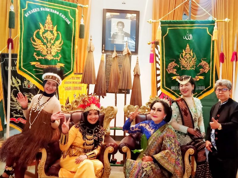 Erna Santoso Mengenal Lebih Dekat Kraton Sumedang Larang Bersama Sultan & Permaisuri 9
