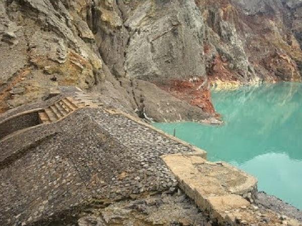 Satu Abad Dam Kawah Ijen 5