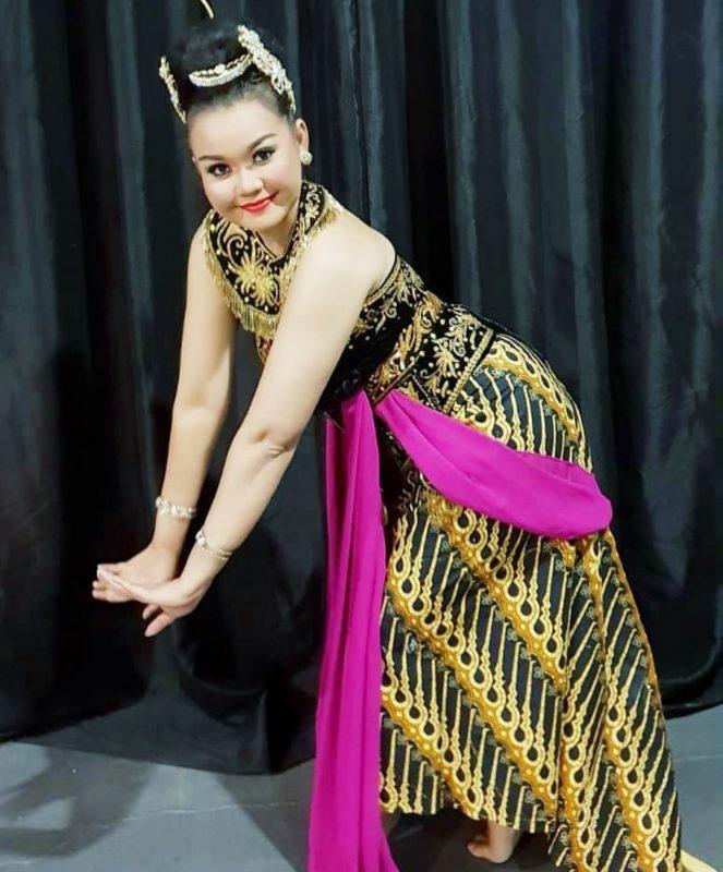 Kisah Inspiratif Asty Dewi, Cucu Angkat Gesang, Tekuni Nyanyi 7
