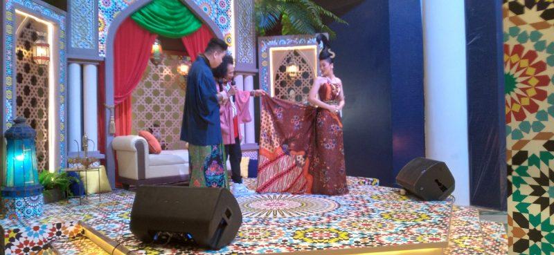 Nanang Sharna Berbagi Pengetahuan Warna Batik Alami 1